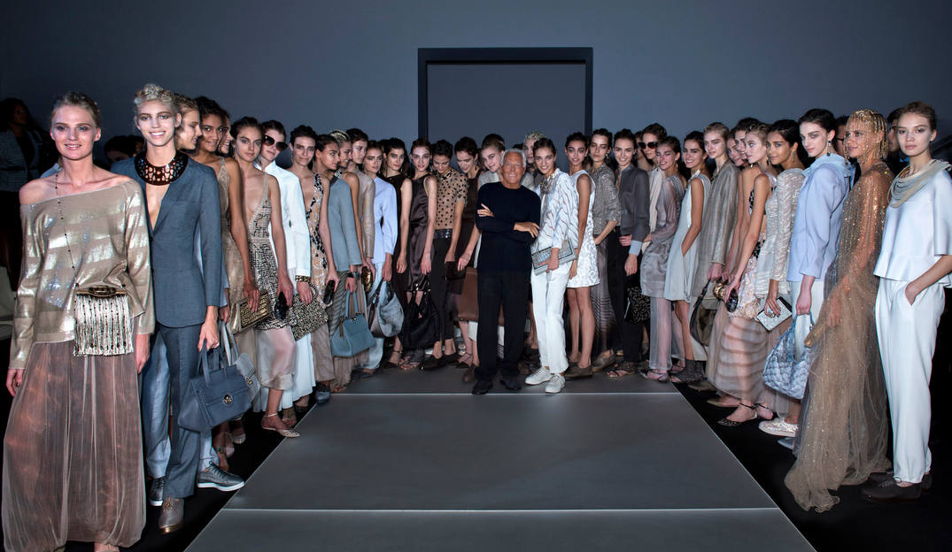 Giorgio Armani sluit Milaan Fashion Week af